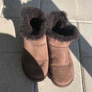 Brown short ugg boots